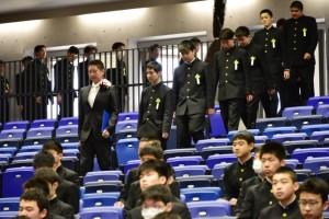 R01.中学卒業式03