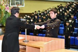 R01.中学卒業式08