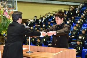 R01.中学卒業式09