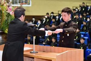 R01.中学卒業式12