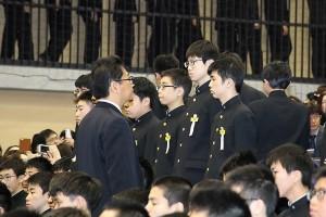 30.中学卒業式05
