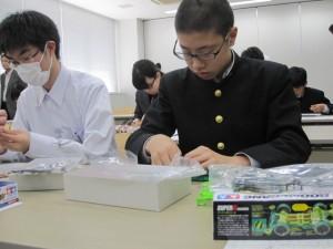 30.付属中学校連携実験講座02