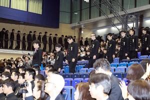 30.中学卒業式04